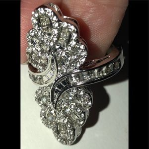 Nip silver alloy and white Sapphire fashion ring 8